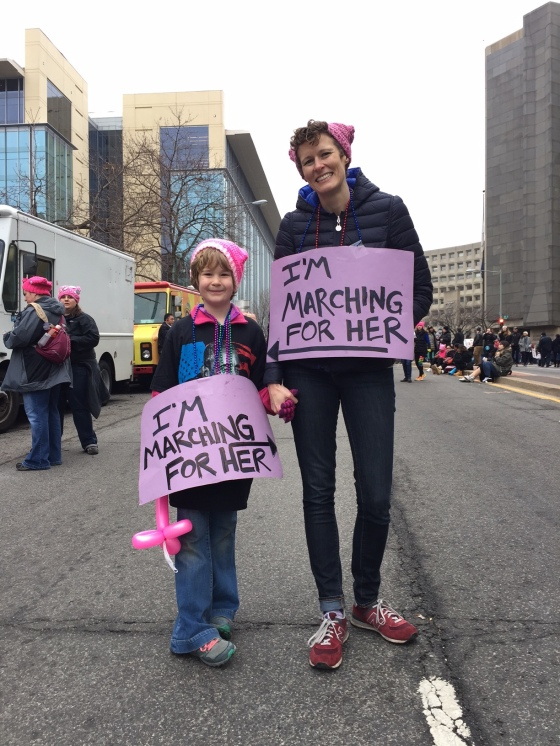 mother-and-daughter-participating-in-the-womens-march_annawatkins